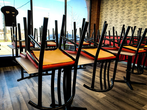 fast food chain's dine in option closed