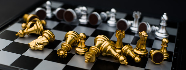 Business insolvency during the epidemic, explanations of the collapse of the trading system, collapse, exports, destruction of business, chess pictures on the board falling, COVID-19, CoronaVirus.