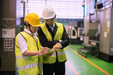 Factory auditor or inspector discussion