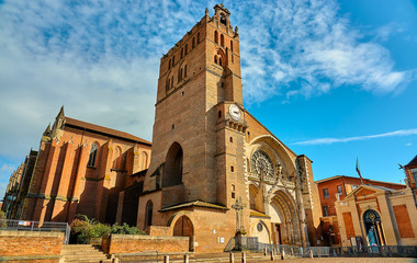 Foto auf AluDibond Altes Gebaude Toulouse Cathedral (Cathedrale Saint-Etienne) is Roman Catholic church located in city of Toulouse, Haute-Garonne, France. Cathedral is national monument, and is seat of Archbishop of Toulouse.