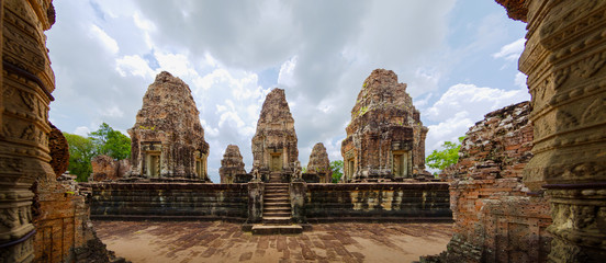 Panoramic view of East Mebon ancient Hindu temple, with sculpted stupas and terraces in Angkor Wat, Siem Reap, Cambodia Fototapete
