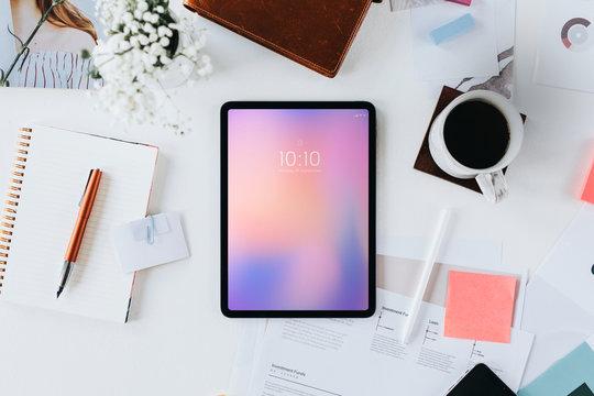 Workstation with digital tablet