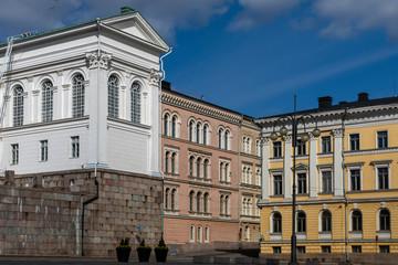 Foto op Canvas Artistiek mon. Historical buildings around Senate Square in spring sunshine downtown Helsinki