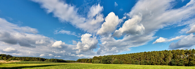 Foto auf Gartenposter Rosa dunkel Panoramic View Of Landscape Against Sky