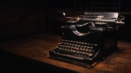 Obraz Antique black typewriter - fototapety do salonu