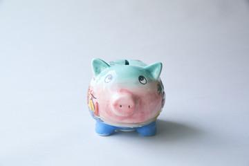 陶器の豚の貯金箱