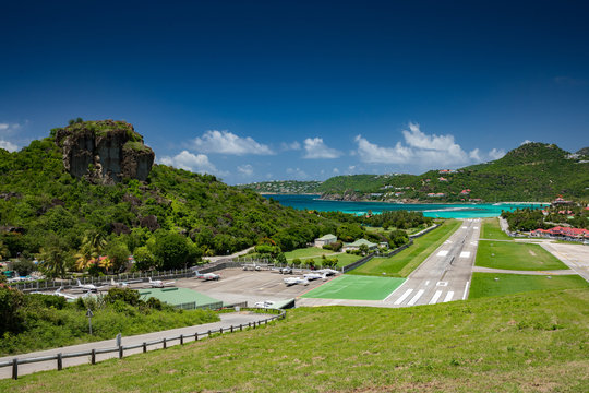 St Barths airport with the runway on the beach