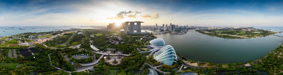 Aerial drone view of Singapore business district and city, Business and financial district Modern building in the city center of Singapore on February 2, 2020 in Singapore. Fotomurales