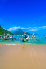 Fototapete - Harbour of El Nido Town with boats at beautiful beach, Palawan Island, Philippines