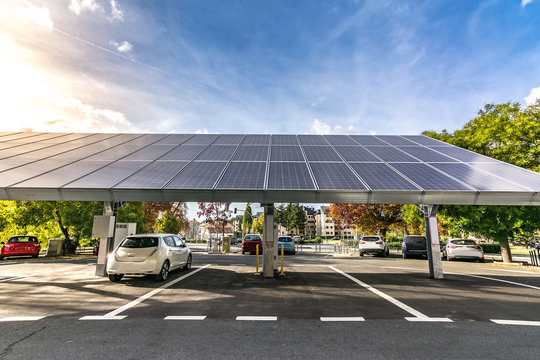 Car charging station for self-sufficient and first photovoltaic panels in Europe. it is also free. It is located in the Farm of San Ildefonso in Segovia (Spain)