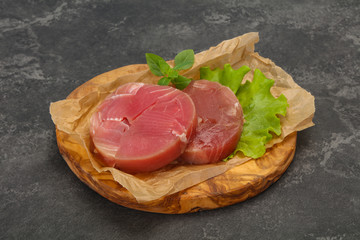 Fotobehang - Raw tuna round steak for grill