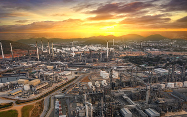 Photo sur Plexiglas Londres Aerial view Oil and gas refinery industrial zone on sunset time and twilight sky,Thailand
