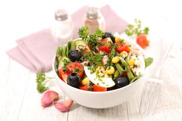 Wall Mural - bowl of mixed vegetable salad- health food