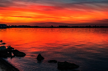 Keuken foto achterwand Rood sunset over the bay, red, reflection, water, colorful, clouds, skyline, rocks, dusk, horizon, skyline,