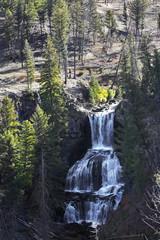 Wall Mural - Cascade falls