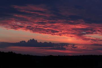 Silhouet van landschap bij zonsondergang