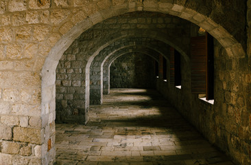 Papiers peints Tunnel Fort Lovrienac inside. Ancient stone arched corridor in Lovrienac fortress in Dubrovnik