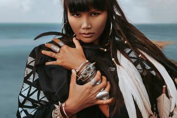 Obraz beautiful young stylish tribal style woman outdoors portrait - fototapety do salonu