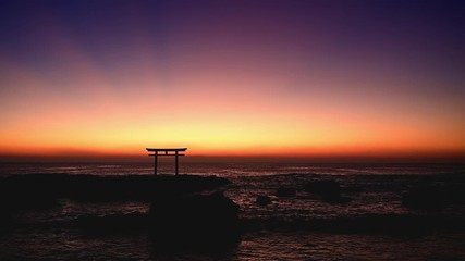 Wall Mural - 夜明けの大洗荒磯前神社の鳥居