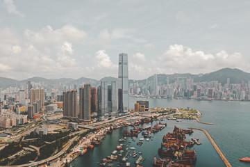 Aerial view of Hong Kong's skyline with International Commerce Centre, Hong Kong. Fotomurales