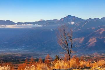 Wall Mural - 創造の森から眺める夜明けの風景、前方に北岳・甲斐駒ヶ岳が見えます。長野県諏訪郡富士見町富士見高原にて
