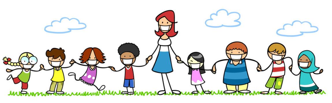 Notbetreuung im Kindergarten mit Erzieher und Mundschutz