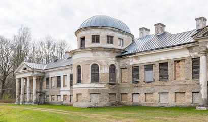ruins of manor europe estonia Papier Peint