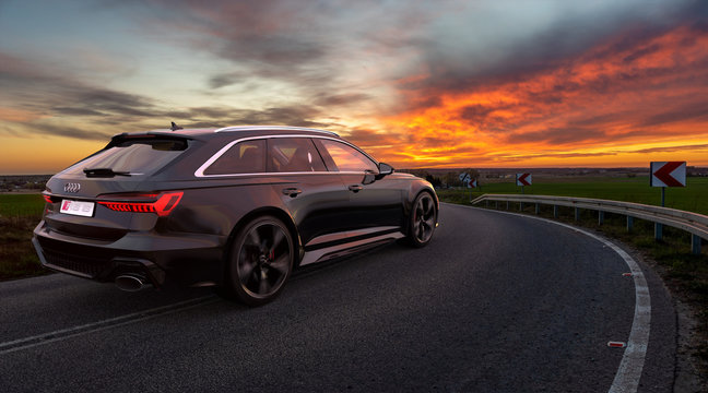 Audi RS 6 Avant driving on a winding road