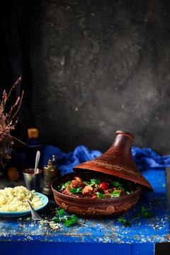 Moroccan lamb tagine..style vintage