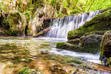 Altes Wehr und Wasserfall im Baybach - Hunsrück