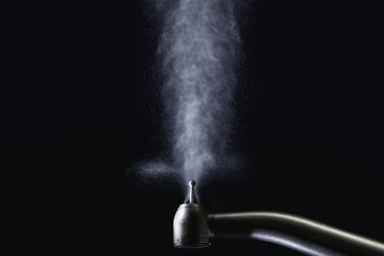 dental turbine with water spray