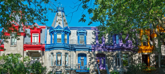 Wall Mural - Pannorama of colorful Victorian houses in Le plateau Mont Royal borough in Montreal, Quebec