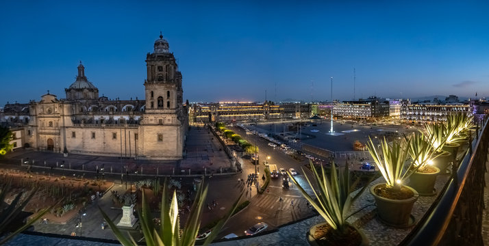 Zocalo square and Metropolitan cathedral of Mexico city at night