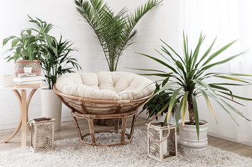 Foto auf AluDibond Boho-Stil House with cozy boho ethnic interior with plants.