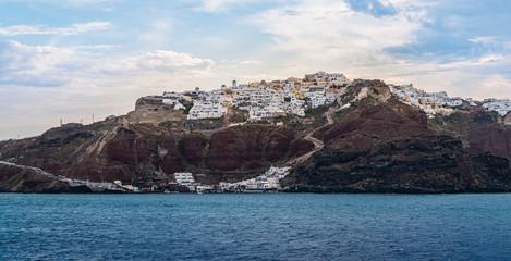 Fototapete - Coastline of Santorini, Greece, Aegean Sea.