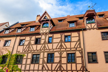 Fototapete - Historisches Fachwerkhaus in Nürnberg - Altstadt am Trödelmarkt
