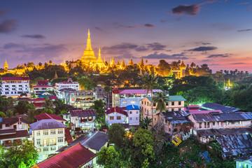Fototapete - Yangon, Myanmar view of Shwedagon Pagoda