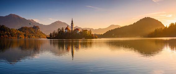 Slovenia,?Bled, Panorama of Lake Bled at sunrise Fotobehang
