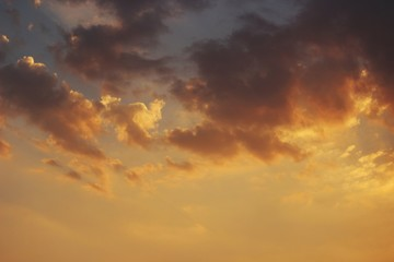 Low Angle View Of Dramatic Sky During Sunset - fototapety na wymiar