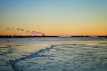Foto op Plexiglas Caraïben Scenic View Of Frozen River Against Sky During Sunset