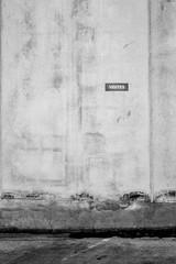 Obraz Street By Old Wall - fototapety do salonu