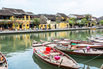 Hoi An am Fluss Thu Bon in Vietnam.