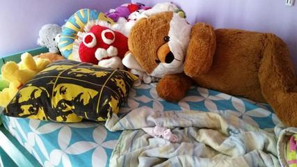 Stuffed Toys On Bed At Home - fototapety na wymiar