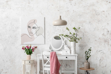 Stores à enrouleur Kiev Interior of room with stylish mirror and spring flowers