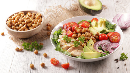 Fototapete - buddha bowl- vegetable salad with chicken fillet in bowl