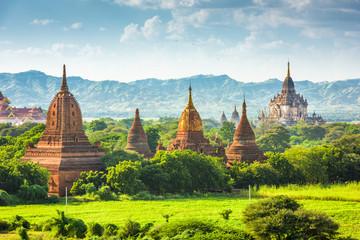 Fototapete - Bagan, Myanmar Ancient Temples Landscape