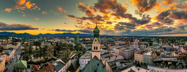 Sonnenuntergang über Rosenheim Fototapete