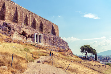Fototapete - Acropolis hill in summer, Athens, Greece, it is a top tourist attraction of Athens. Scenic view of famous landmark with strong medieval walls