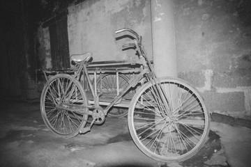 Photo sur Aluminium Bicycle On Street