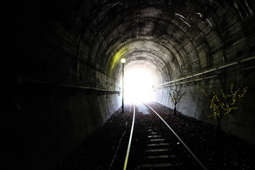 Papiers peints Tunnel 어두운 터널, 터널 기차길, dark tunnel